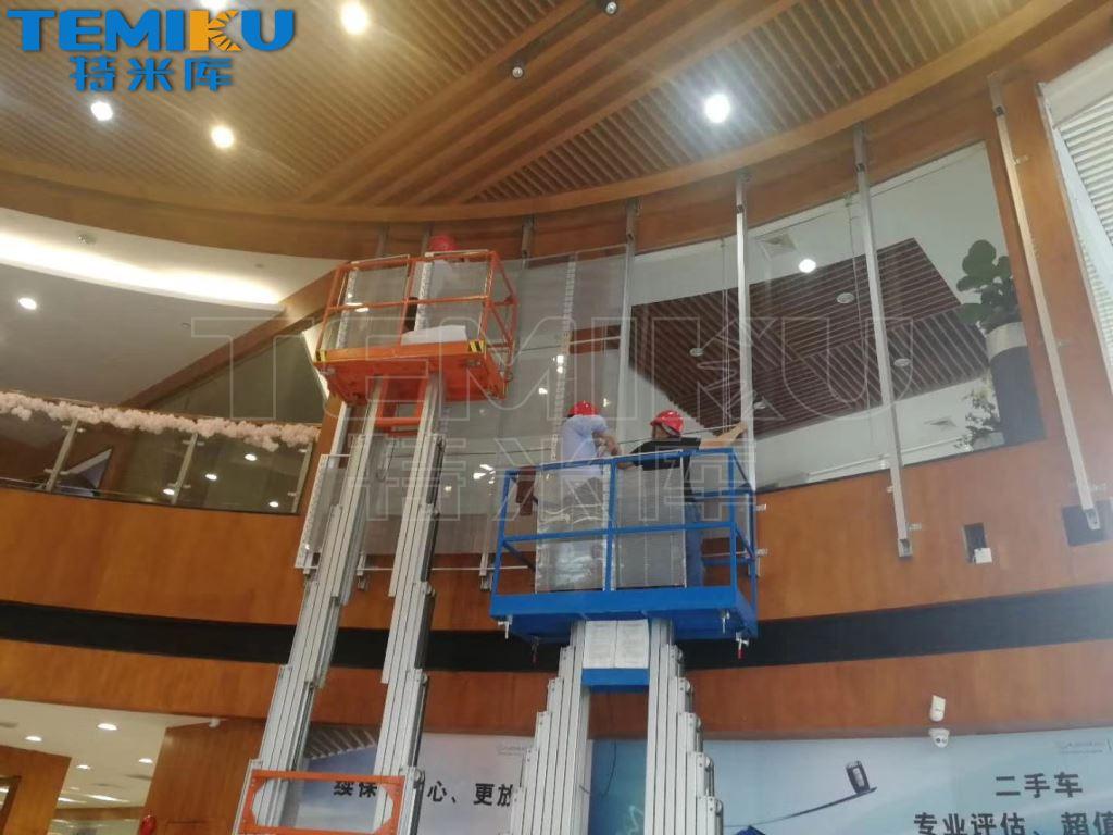 LED透明屏多少钱一平方?透明屏厂家最新报价!